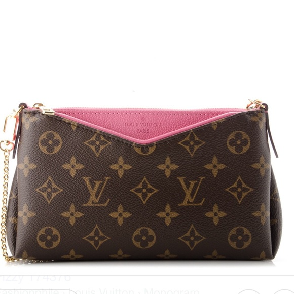 8ecd53bbf97e Louis Vuitton Handbags - GUC Rare Discontinued LV Rose Fizzy Pallas Clutch